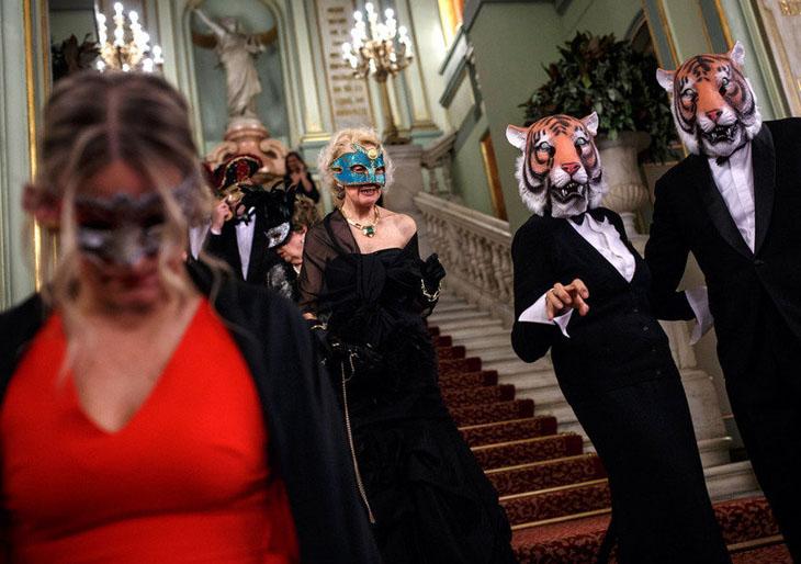 El Liceu recupera el baile de máscaras