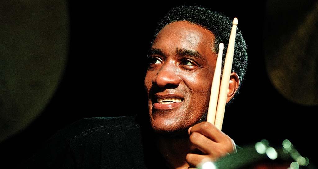 Homenaje entre dos grandes baterías de jazz