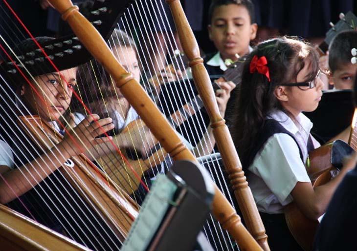 Proyecto Simón Bolívar beneficia cerca de 11.500 estudiantes del Táchira