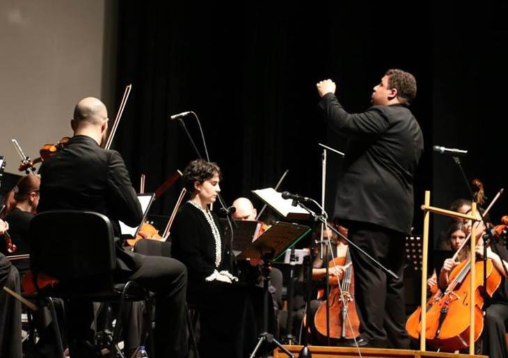 Ovacionado director venezolano Gerardo Estrada frente a Filarmónica de Portugual