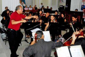 El maestro Abraham Guanipa, estará a cargo de la dirección del ciclo de conciertos religiosos.