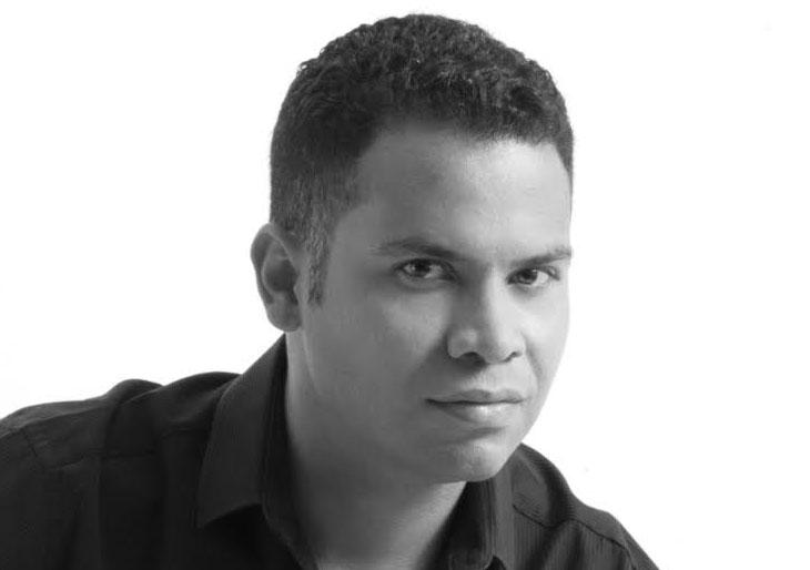"""""""Preludio y Coda"""" el nuevo disco del Tenor  economista Juan Carlos Ruiz"""