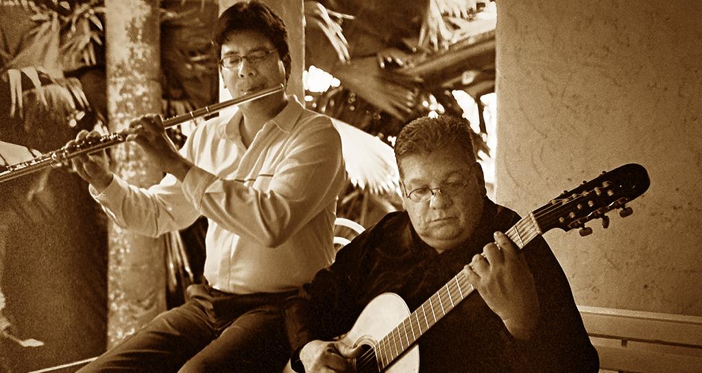 """""""Flauta y Guitarra"""" en el Salón Siglo XXI"""