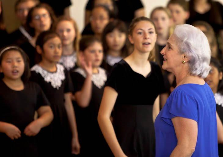 Poesía y Música: Un hermoso concierto nos ofrece La Schola Cantorum de Venezuela, este domingo.