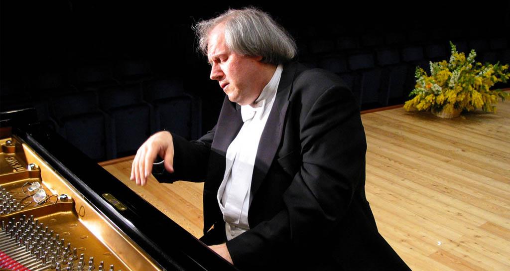 "Grigory Sokolov, un gigante del piano que no actúa, ""solo"" toca"