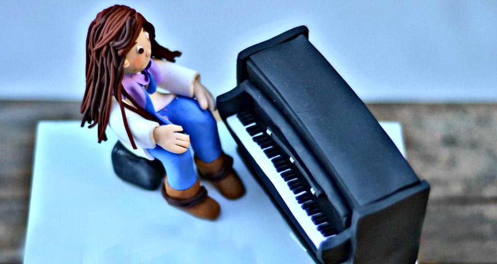 Estudio descubrió algo increíble sobre las lecciones de piano durante la infancia
