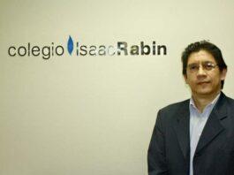 Victor Mata es el encargado del departamento de música del Colegio Isaac Rabin.
