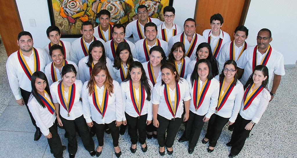 """Coro Sinfónico del Zulia presentó """"Cantemus"""" en la Galería Julio Árraga"""