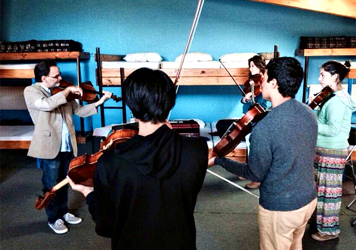 #CampamentoMusicalFOJI Maestro José Manuel Román de Orquesta Simón Bolívar traspasa experiencia venezolana a alumnos