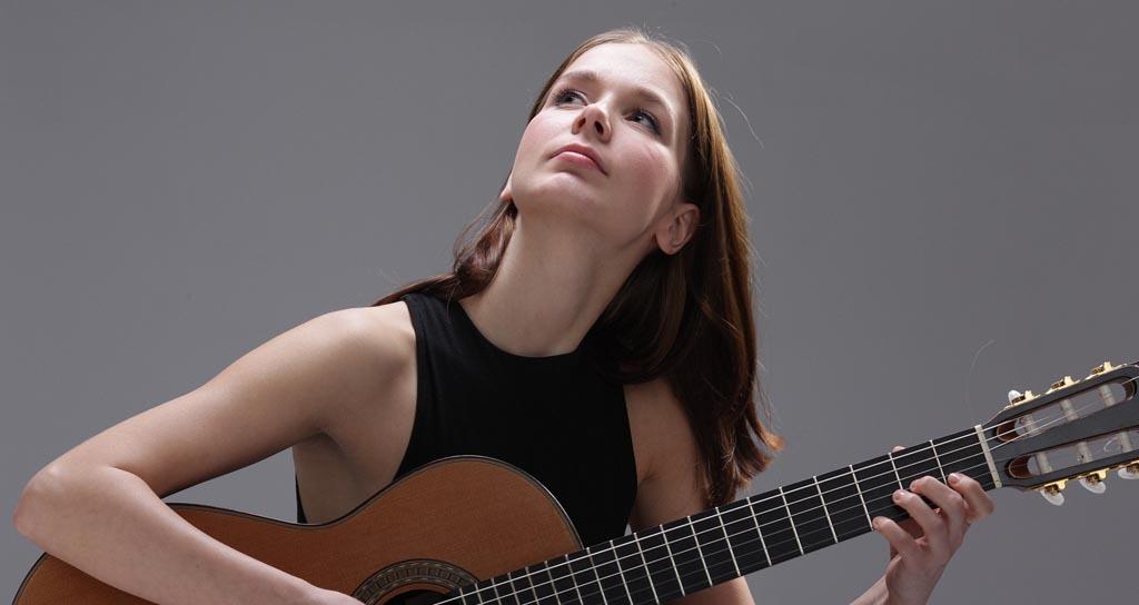Wiktoria Szubelak guitarrista clásica polaca actuará en Venezuela