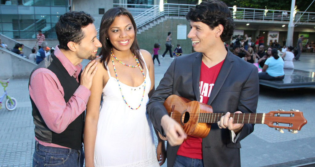3 y Cuatro regala su polifonía a las madres venezolanas