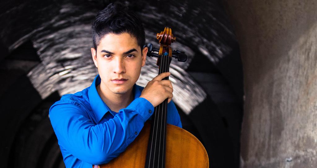 Daniel Arias y su violoncello regresan a Praga