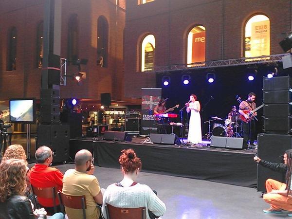 Laura Guevara envolvió con su eclecticismo a la Exib Música
