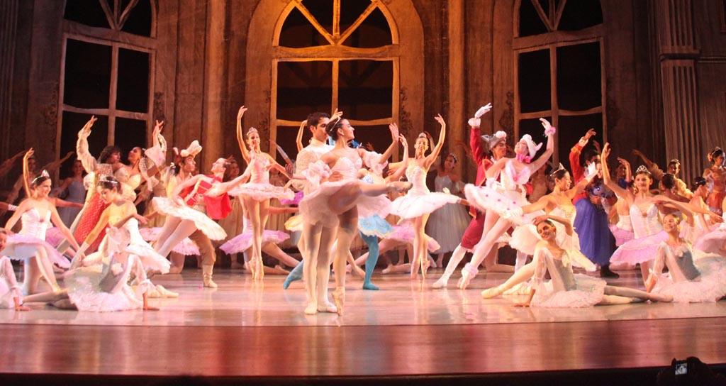 """El Ballet de las Américas presenta """"Las Bodas de Aurora"""""""