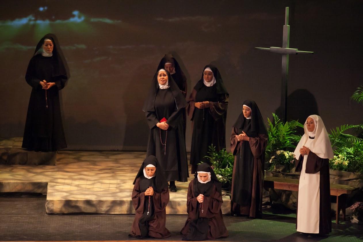 Orquesta Sinfónica Municipal de Caracas y el elenco encargado de representar la Ópera Suor Angélica