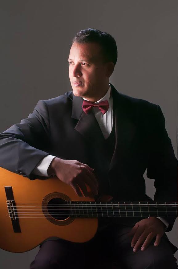 Pablo Gámez ejecutará el Concierto de Aranjuez para guitarra y Orquesta de Joaquín Rodrigo.