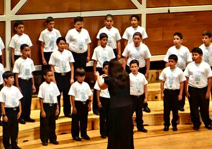 Niños cantores dedican concierto al maestro José Antonio Abreu