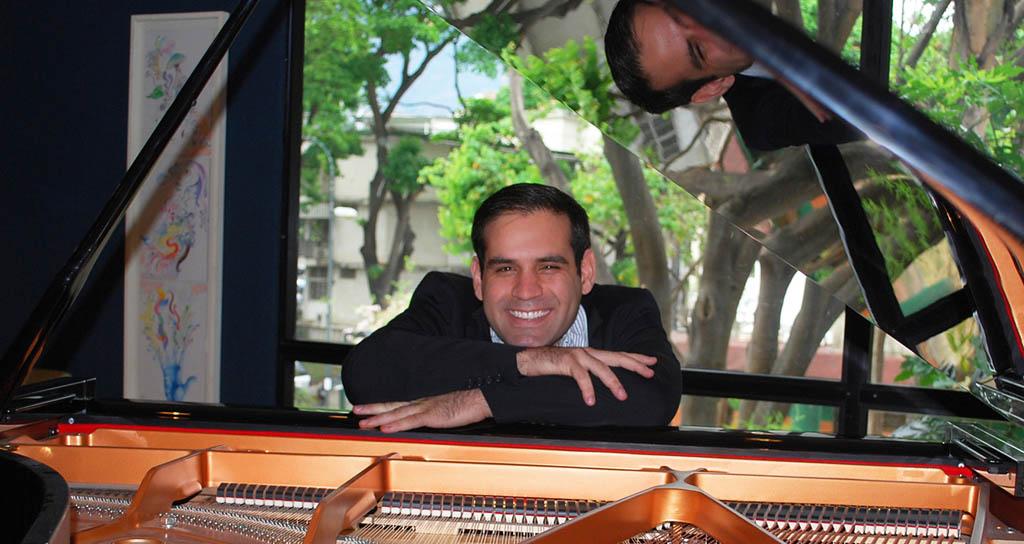 """El pianista Arturo Sánchez presenta """"piano desde el alma"""""""