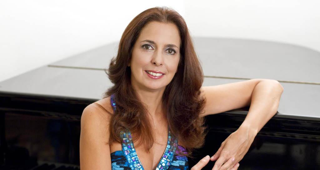 Clara Rodríguez viene a ofrecer su corazón