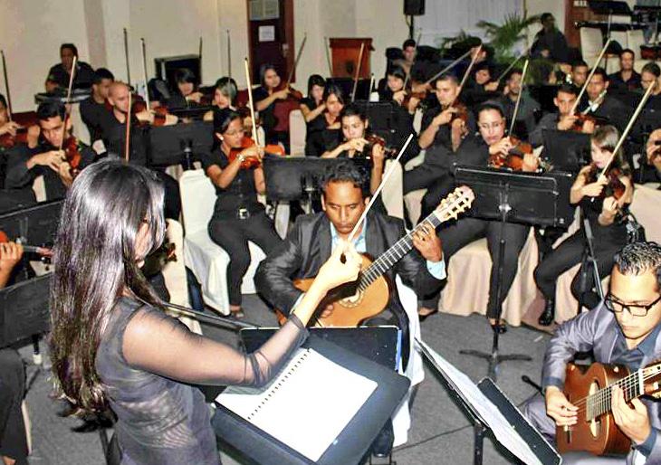 Victoria Sánchez y la III Gala Sinfónica de la Guitarra en Monagas