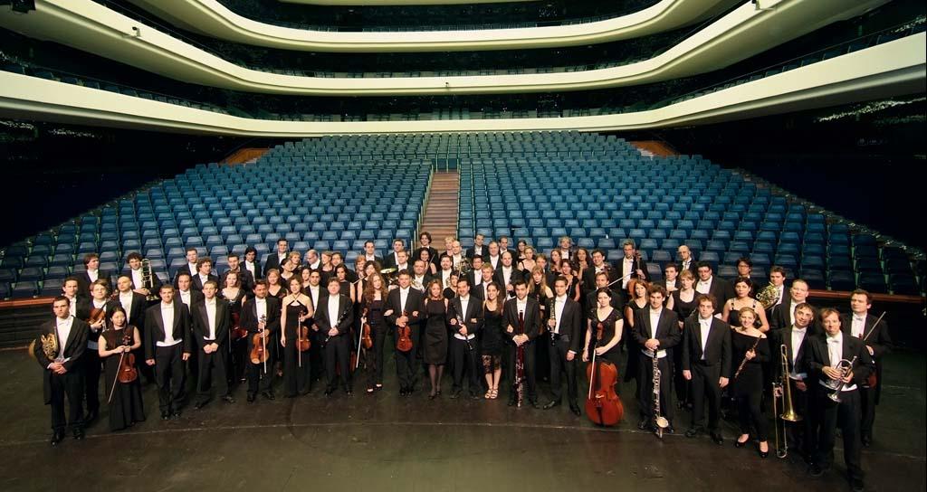 Guía para entender por qué hay dos orquestas en Valencia