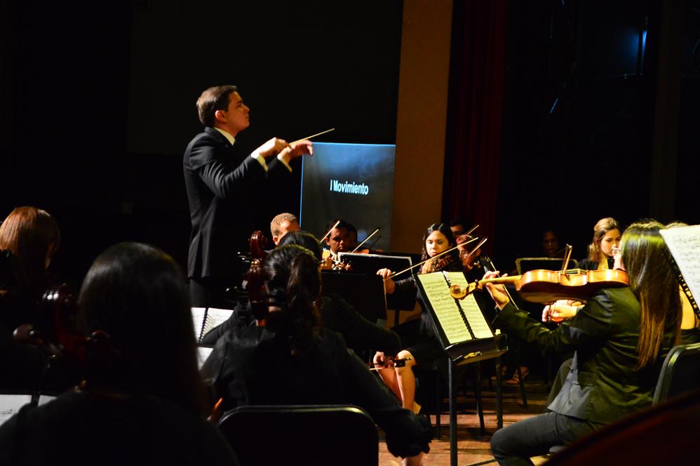 José Calabrese y la Sinfónica de Carabobo