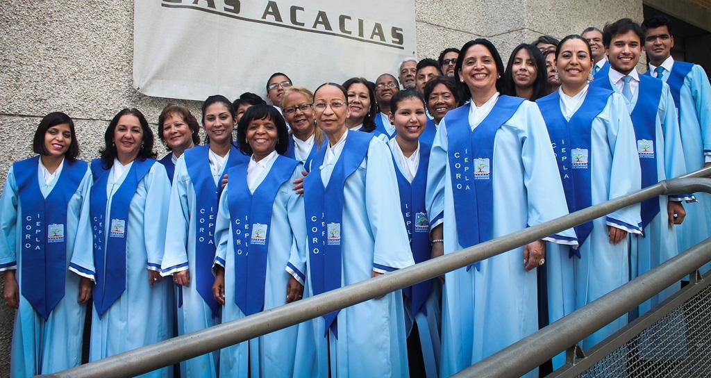 """""""Coro Iglesia Las Acacias""""en el Salón Siglo XXI"""