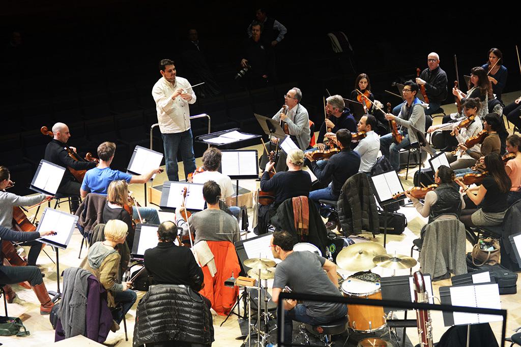 """Giancarlo Castro D'Addona y su obra """"Rhapsody for talents"""" conquistaron el Teatro Radio France"""