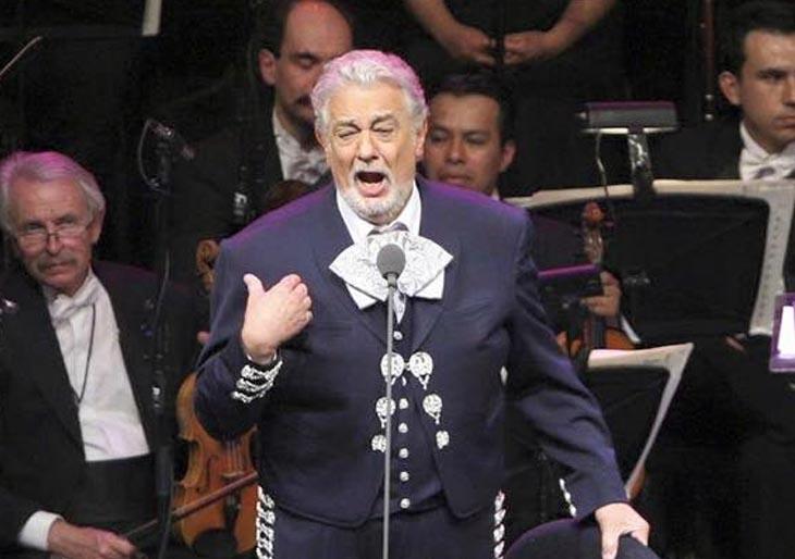 Plácido Domingo celebra con ópera y mariachis 55 años en las tablas de México