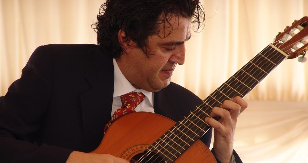 Comienza la etapa semifinal en XVIII Concurso Internacional de Guitarra Alirio Díaz