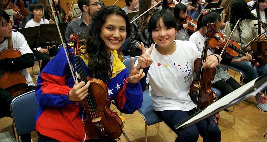 El Sistema lleva música para la acción social a Japón