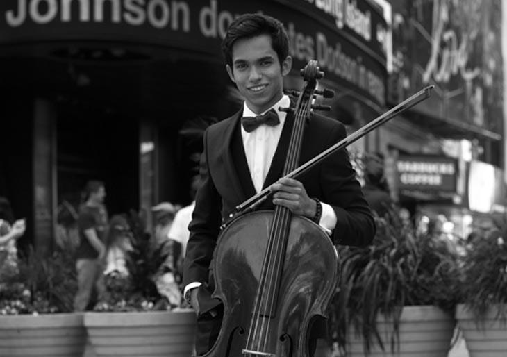 The Bach Project en las manos del violonchelistaMiguel Ángel Cegarra
