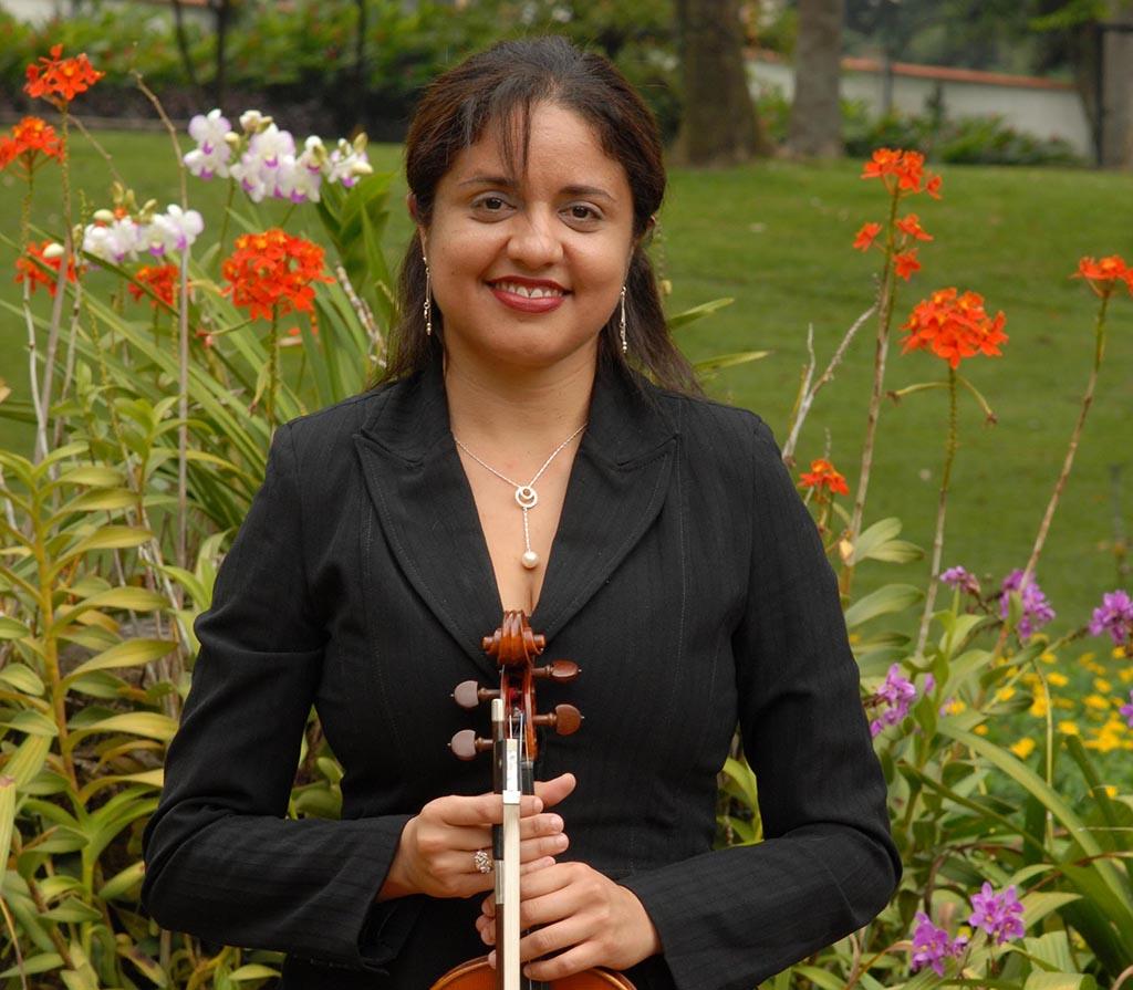 Naumarys Martínez - primeros violines