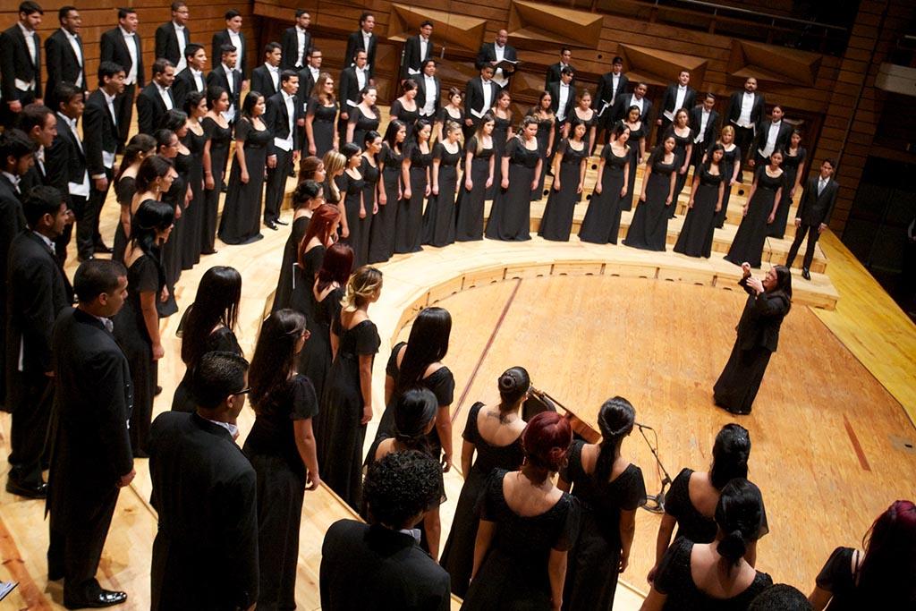 Coral Sinfonica Juvenil dirigida por Lourdes Sánchez