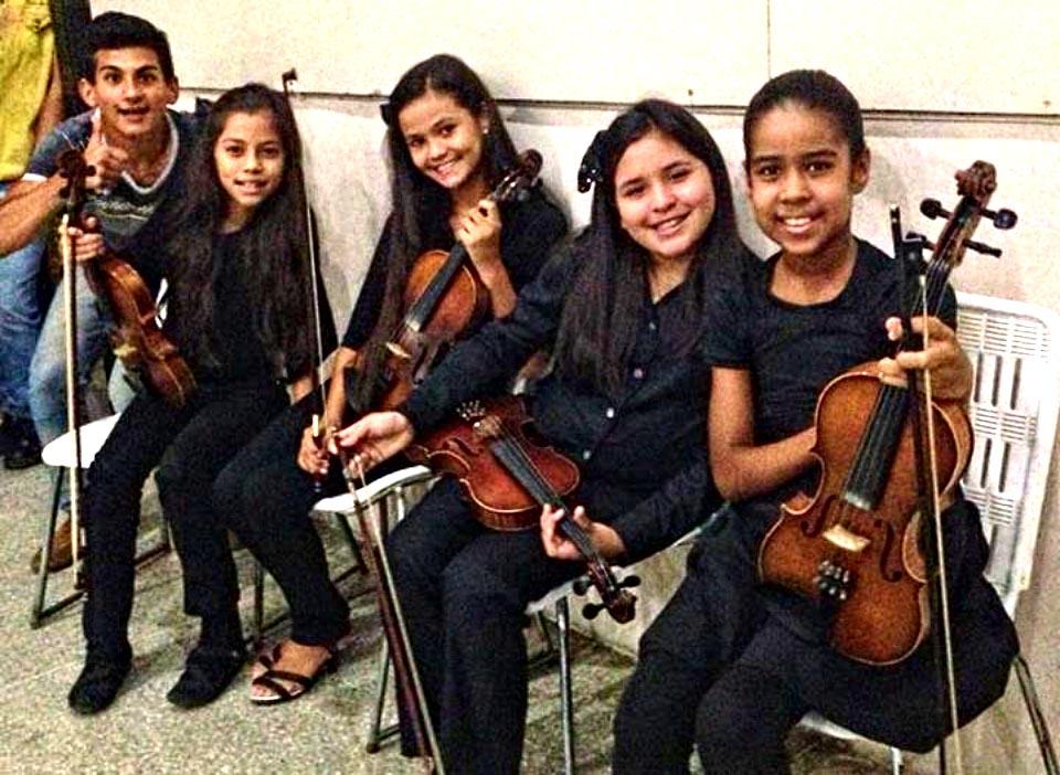 Sinfónica Regional de Guanare junto a Danzata y Danzas Temeri en Concierto Navideño