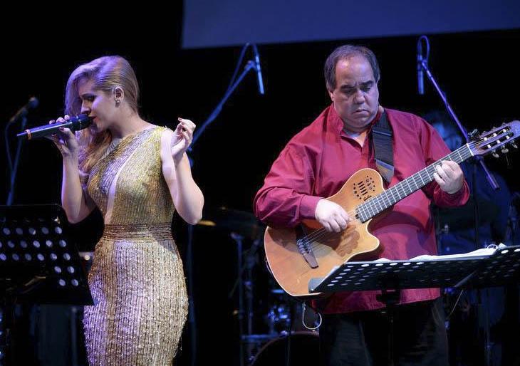 Aquiles Báez y la Sra. Parra Anda vuelven con  Un cuento de navidad…a la venezolana