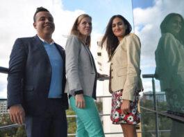 """Elisa Vegas, Gustavo Adolfo Palomo y Belén Roig visitaron Publinews para hablar acerca de todos los detalles de """"Navidad del alma"""". Foto: Oliver de Ros"""