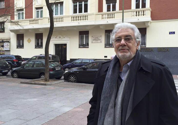 Plácido Domingo defiende a Helga Schmidt: pide que pueda declarar ya