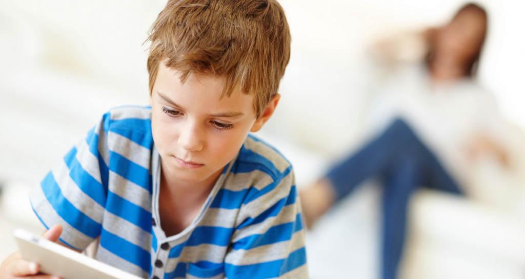 Para que el niño sea listo, mejor un instrumento musical que la tablet