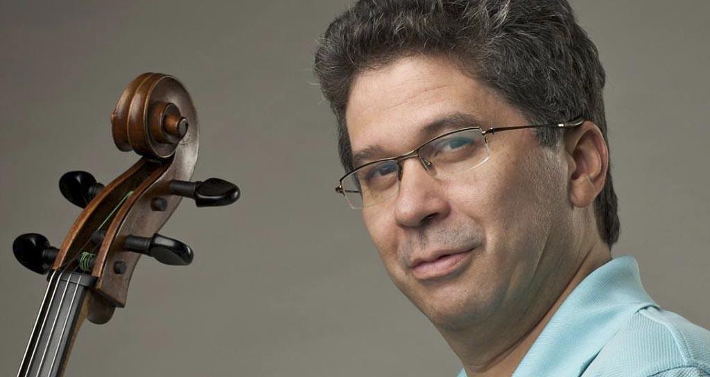 Venezuela suena en Aruba con el violonchelo de Germán Marcano