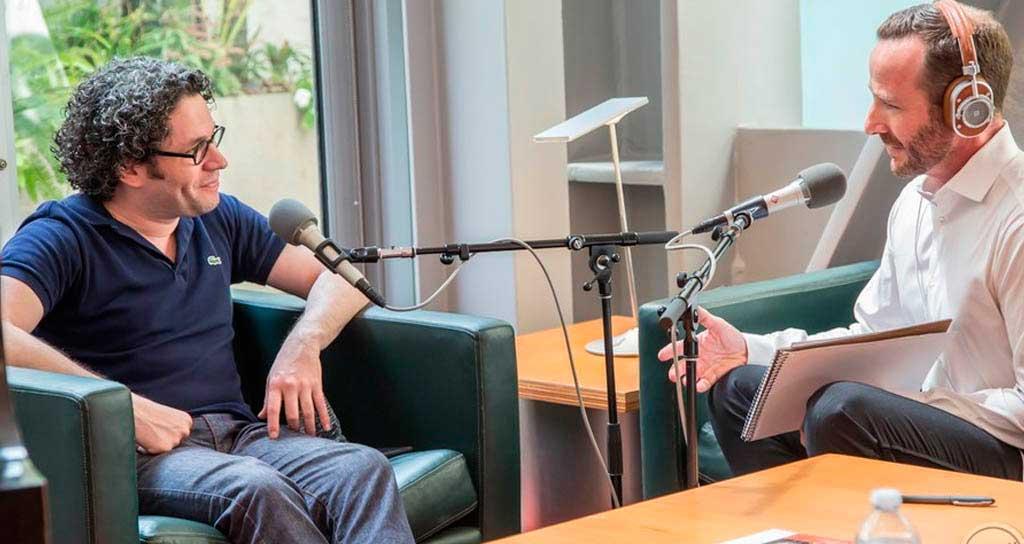 Jason Bentley de KCRW conversa con Gustavo Dudamel