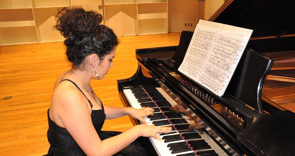 Alexía Mouzá en el Festival de Jóvenes Solistas 2014