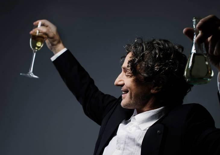 Bregovic honra a los gitanos con Champagne for Gypsies