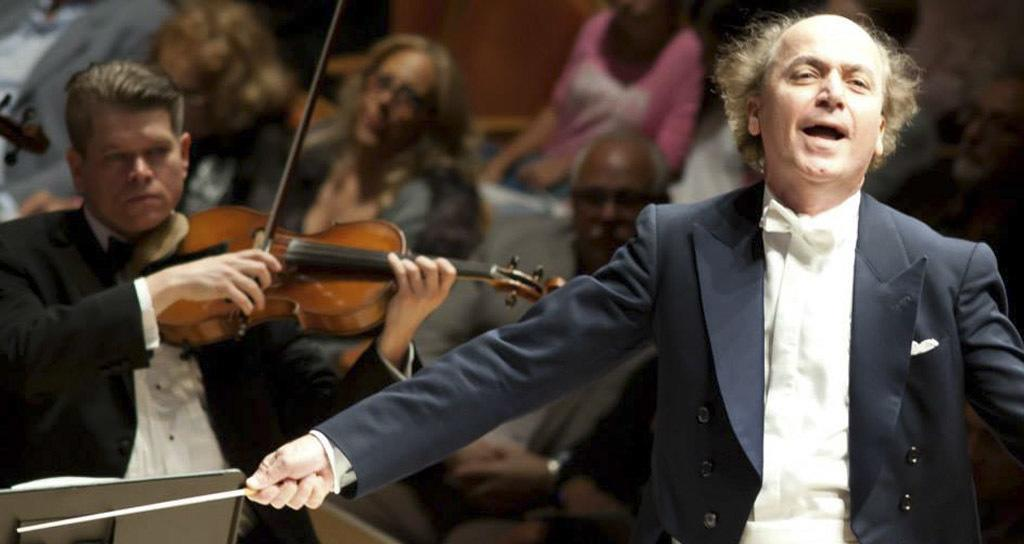 Venezolano Eduardo Marturet cumple 10 años al mando de la Sinfónica de Miami