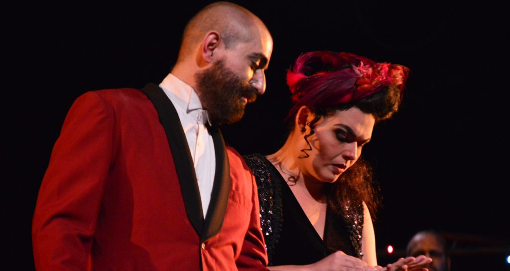 """La ópera """"3 centavos"""" elogiada por la crítica en su estreno"""