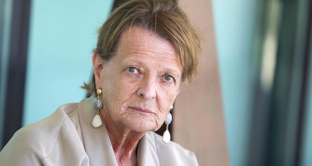 Helga Schmidt sigue indefensa