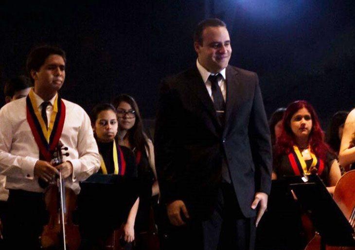 Blas Torrellas dirige la Orquesta Sinfónica Juvenil Regional de los Altos Mirandinos