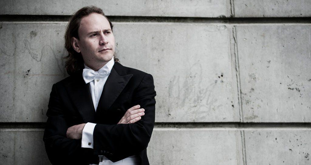 """Christian Vásquez : """"La orquesta es mi instrumento"""""""