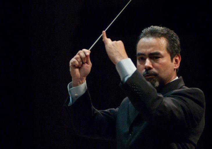 César Iván Lara conduce a la Sinfónica de Uncuyo en un concierto de música francesa