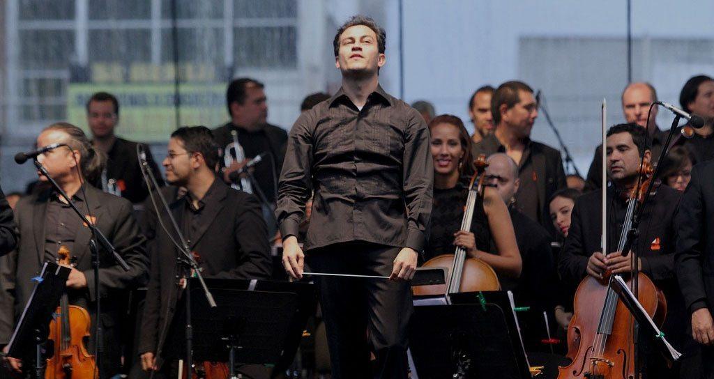 La prestigiada Sinfónica Simón Bolívar enamora a Iztapalapa